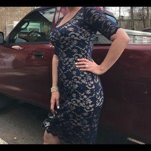 Belle Badgley mischka lace dress